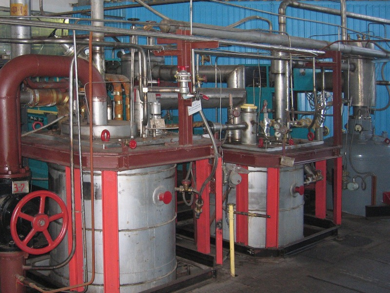 Helium production and liquefaction 2.jpg