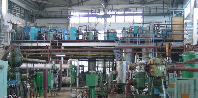 Helium production and liquefaction 1.jpg